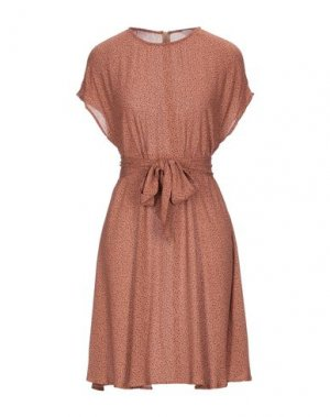 Короткое платье AMERICAN VINTAGE. Цвет: коричневый