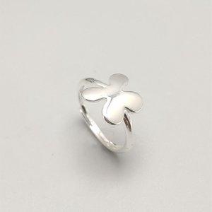 Кольцо с листьями SHEIN. Цвет: серебряные
