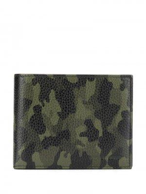 Складной бумажник с камуфляжным принтом Karl Lagerfeld. Цвет: зеленый