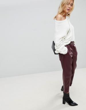 Суженные книзу брюки из искусственной кожи ASOS DESIGN