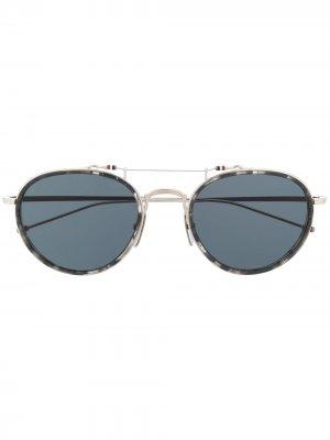 Солнцезащитные очки в оправе Pantos Thom Browne Eyewear. Цвет: серый