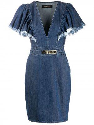 Джинсовое платье с бахромой на рукавах Pinko. Цвет: синий