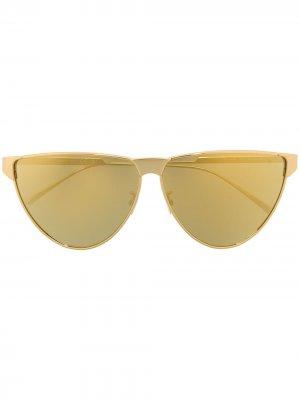 Солнцезащитные очки BV1070s в оправе кошачий глаз Bottega Veneta Eyewear. Цвет: золотистый