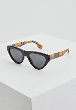 Очки солнцезащитные Burberry BE4285 375787. Цвет: черный
