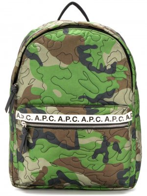 Рюкзак с камуфляжным принтом A.P.C.. Цвет: зеленый