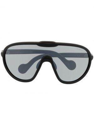 Солнцезащитные очки-маска Moncler Eyewear. Цвет: черный