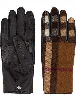 Перчатки в клетку Burberry. Цвет: коричневый