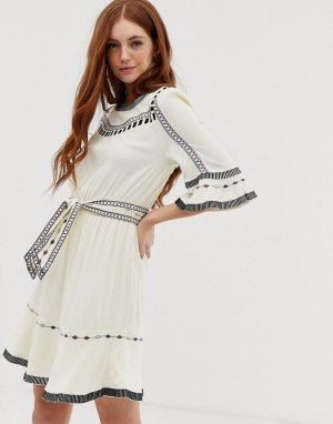 Платье мини с вышивкой Plaza BA&SH. Цвет: белый