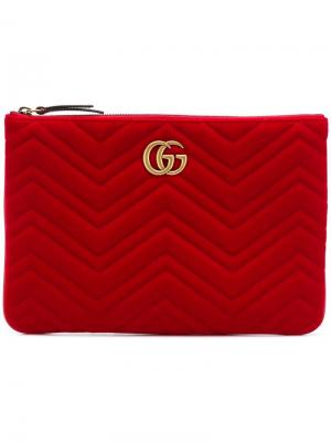 Клатч из стеганого бархата GG Marmont 2.0 Gucci. Цвет: красный