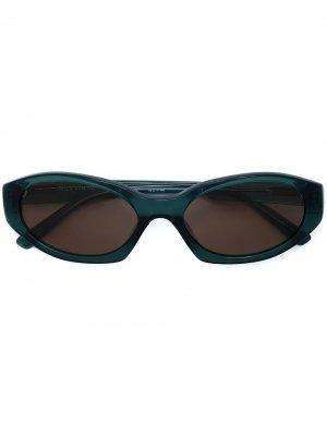 Солнцезащитные очки в оправе кошачий глаз Linda Farrow. Цвет: зеленый