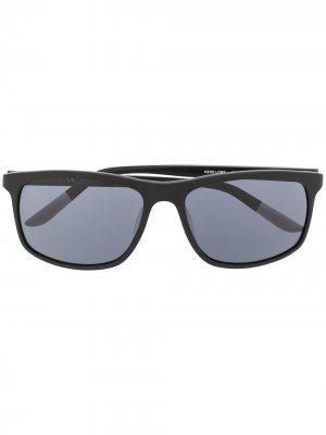 Солнцезащитные очки Lore в квадратной оправе Nike. Цвет: черный