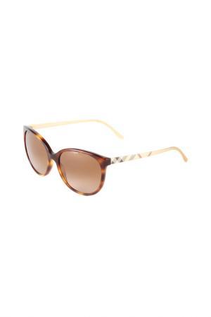 Очки солнцезащитные Burberry. Цвет: havana