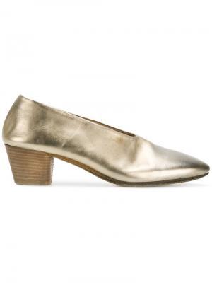 Туфли на низких каблуках Marsèll. Цвет: золотистый