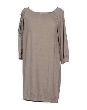 Короткое платье BETTY BLUE. Цвет: голубиный серый