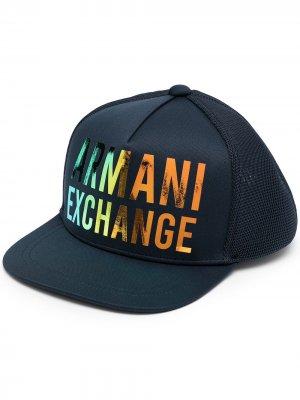 Бейсболка с логотипом Armani Exchange. Цвет: синий