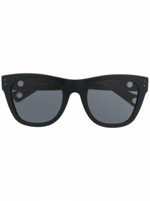 Солнцезащитные очки Valentino Eyewear. Цвет: черный