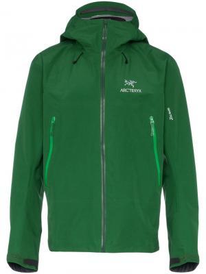 Куртка Beta Arc'teryx. Цвет: зеленый