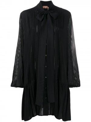 Плиссированное платье мини с перфорацией Nº21. Цвет: черный