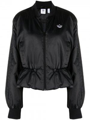 Куртка-бомбер с кулиской adidas. Цвет: черный