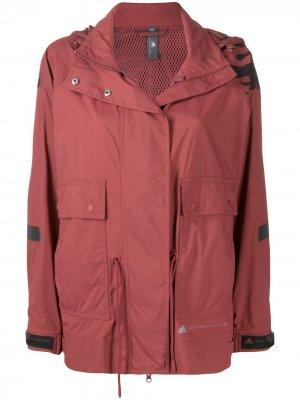 Куртка Run Ultimate с капюшоном adidas by Stella McCartney. Цвет: красный