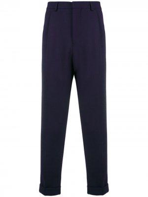 Классические брюки со складками AMI Paris. Цвет: синий
