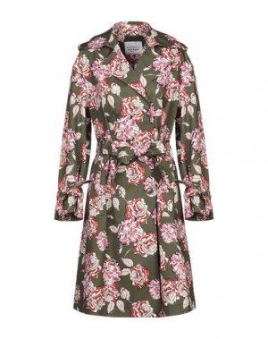 Легкое пальто THE EDITOR. Цвет: зеленый-милитари