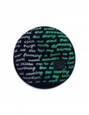 Черный берет с зеленым принтом 99% IS-