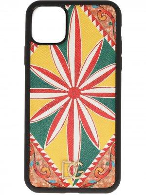 Чехол для iPhone 11 с графичным принтом Dolce & Gabbana. Цвет: желтый