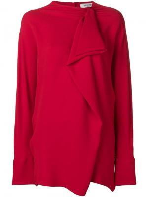 Блузка с крупными оборками Valentino. Цвет: красный