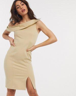 Платье-футляр с открытыми плечами и разрезом -Коричневый Closet London