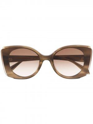 Солнцезащитные очки в массивной круглой оправе Alexander McQueen Eyewear. Цвет: коричневый