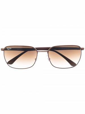 Солнцезащитные очки в прямоугольной оправе Ray-Ban. Цвет: коричневый