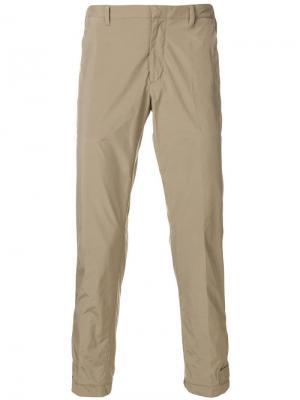 Укороченные брюки чинос Prada. Цвет: нейтральные цвета