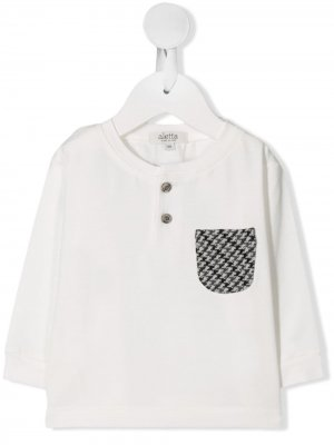 Футболка с контрастным карманом Aletta. Цвет: белый