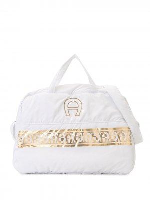 Пеленальная сумка с логотипом Aigner Kids. Цвет: белый