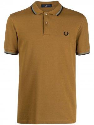Рубашка поло с контрастной окантовкой FRED PERRY. Цвет: коричневый