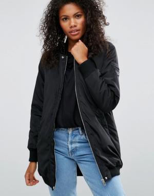 Черная удлиненная куртка‑пилот Brave Soul. Цвет: черный