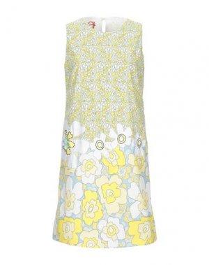 Короткое платье ATINSIGHT by ANDREA TURCHI. Цвет: желтый