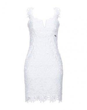 Короткое платье GUESS. Цвет: белый