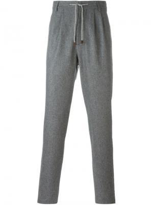 Классические брюки Brunello Cucinelli. Цвет: серый