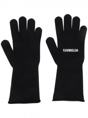 Трикотажные перчатки с логотипом VETEMENTS. Цвет: черный