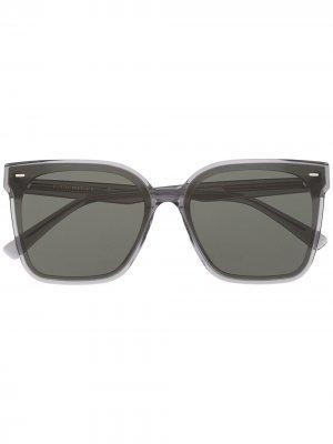 Солнцезащитные очки в массивной оправе Gentle Monster. Цвет: серый