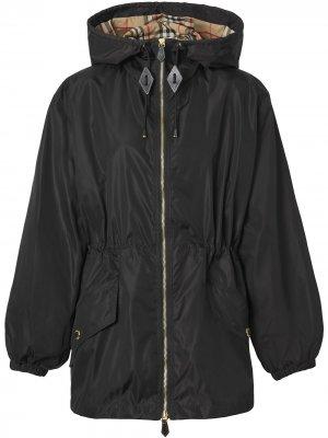Куртка из ткани ECONYL® с капюшоном Burberry. Цвет: черный