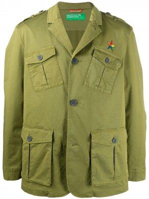 Куртка с вышитым логотипом Benetton. Цвет: зеленый