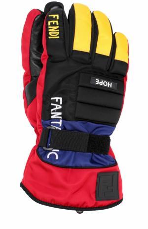 Утепленные перчатки с кожаной отделкой Fendi. Цвет: черный