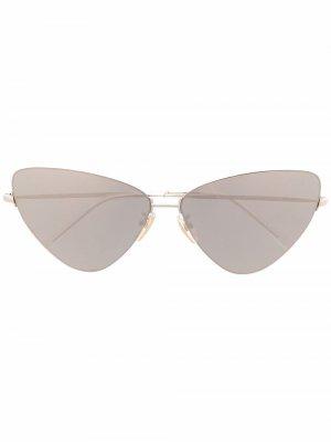 Солнцезащитные очки Invisible в оправе кошачий глаз Balenciaga Eyewear. Цвет: золотистый