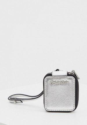 Чехол для наушников Calvin Klein. Цвет: серебряный