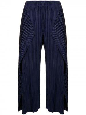 Укороченные брюки со складками Pleats Please Issey Miyake. Цвет: синий