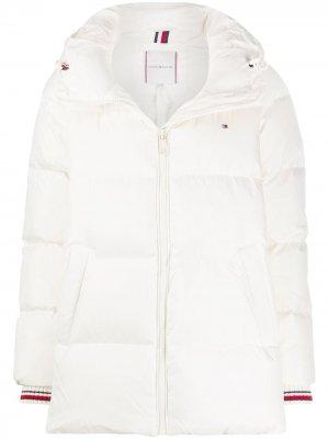Куртка-пуховик с контрастными манжетами Tommy Hilfiger. Цвет: нейтральные цвета