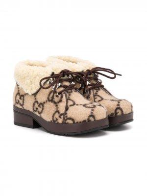 Ботинки на шнуровке GG Gucci Kids. Цвет: нейтральные цвета